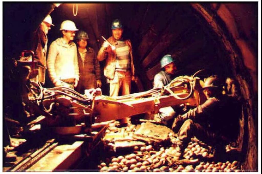 Mill liner installation