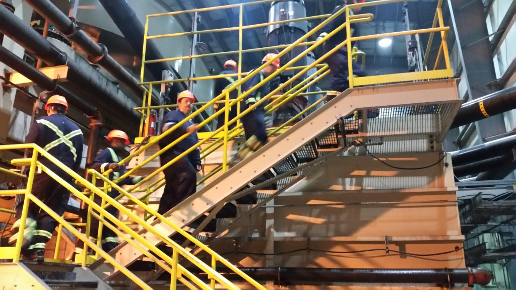 2017 MillOps students touring Ft Knox Mine