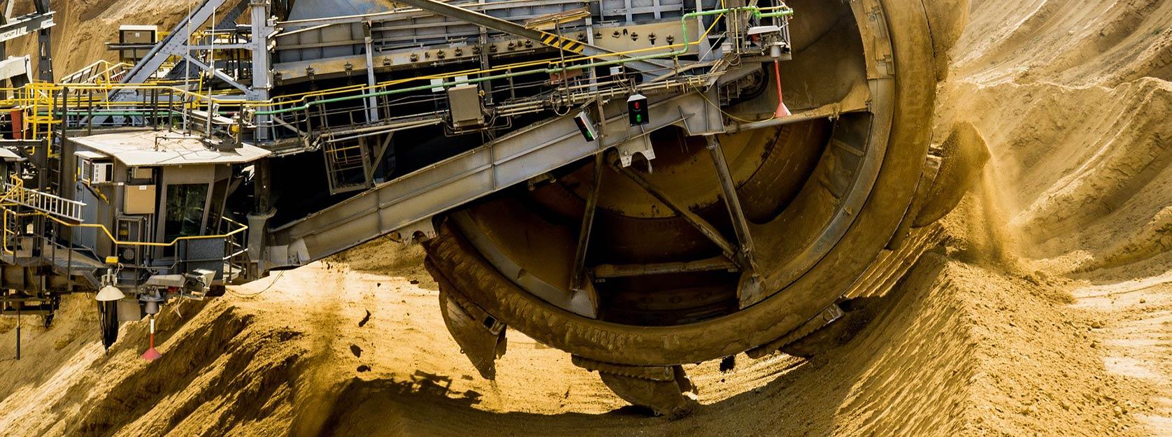 Paddle-wheel excavator